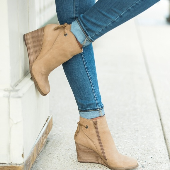 dfe703f0702d Lucky Brand Shoes - Lucky Brand Yamina Wedge Zip Bootie in Sesame
